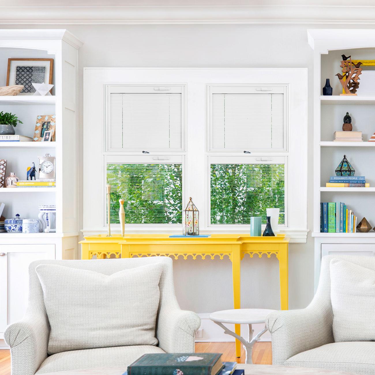 app-living-yellow-table